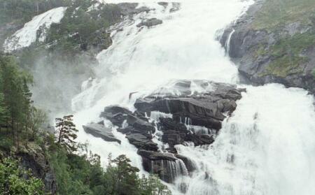 Wasserfall westliche Hardangervidda. 22,5kb