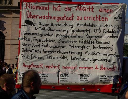 demo gegen ueberwachungsstaat